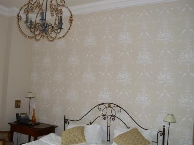 Reconstruction of the decorative painting in the Hotel Chateau Mcely *****